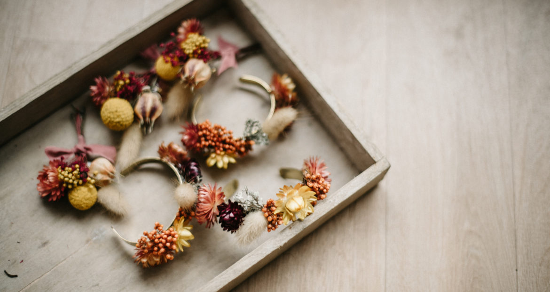 France, décoratrice, fleuriste, floral designer, fleurs mariage, wedding flowers, accessoires fleuris