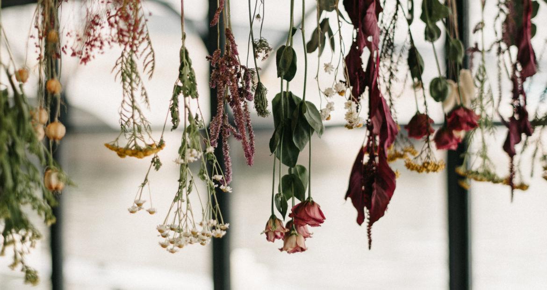 France, décoratrice, fleuriste, floral designer, fleurs de mariage, wedding flowers, accessoires fleuris , paris, ile de france, fleurs séchées