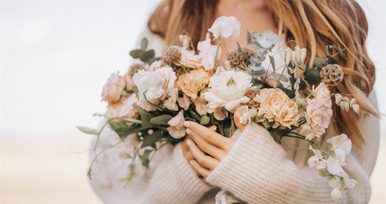 bouquet de fleurs fraiches, bouquet de mariée, bouquet, fleuriste, design floral, floral design, atelier floral, bride bouquet