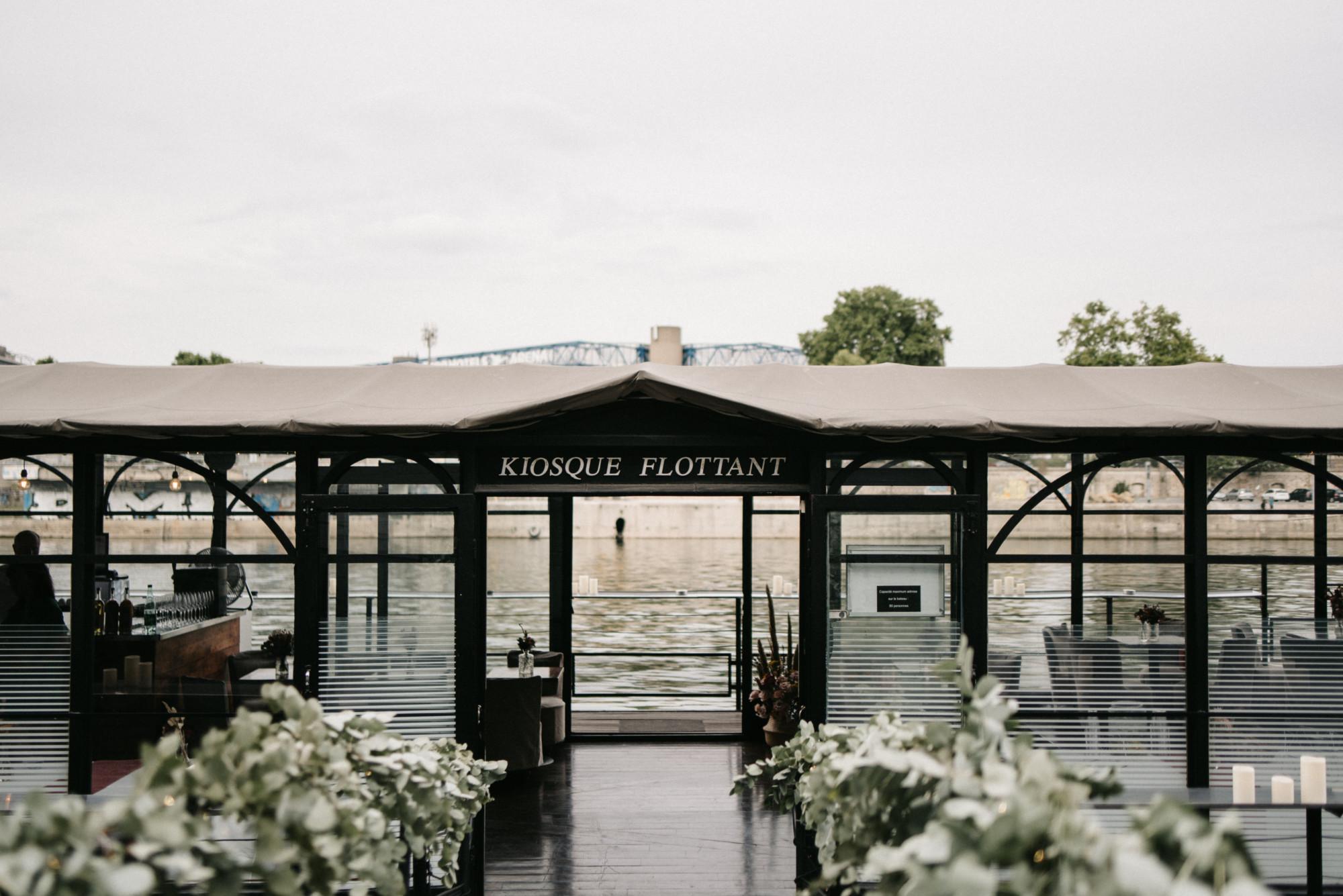 Mariage à Paris, live, fleuriste, péniche