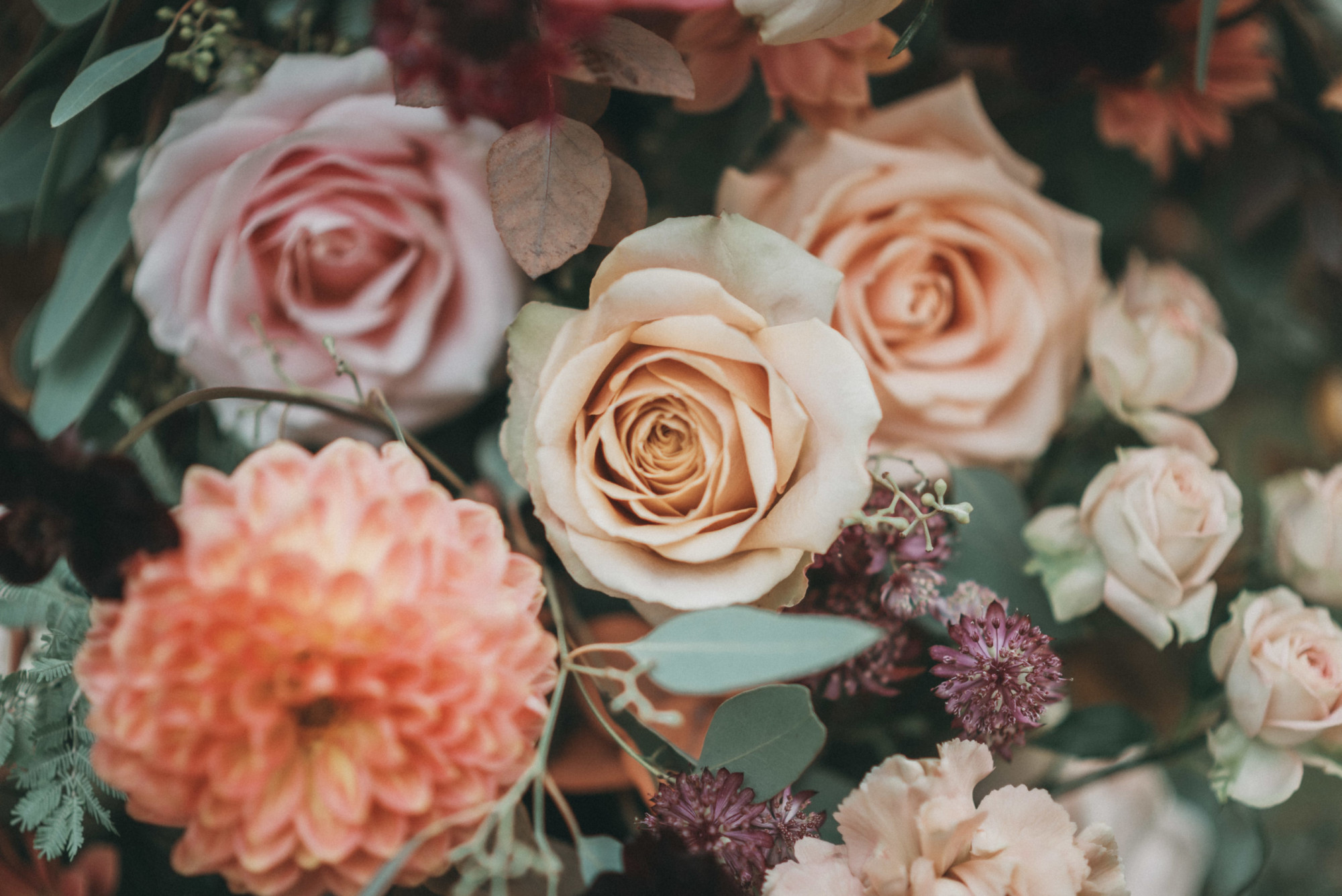 mariage en automne, mariage automnal, fleur mariage, fleuriste mariage, fleuriste seine et marne, décoratrice ile de france, bouquet de mariée, fleurs locales