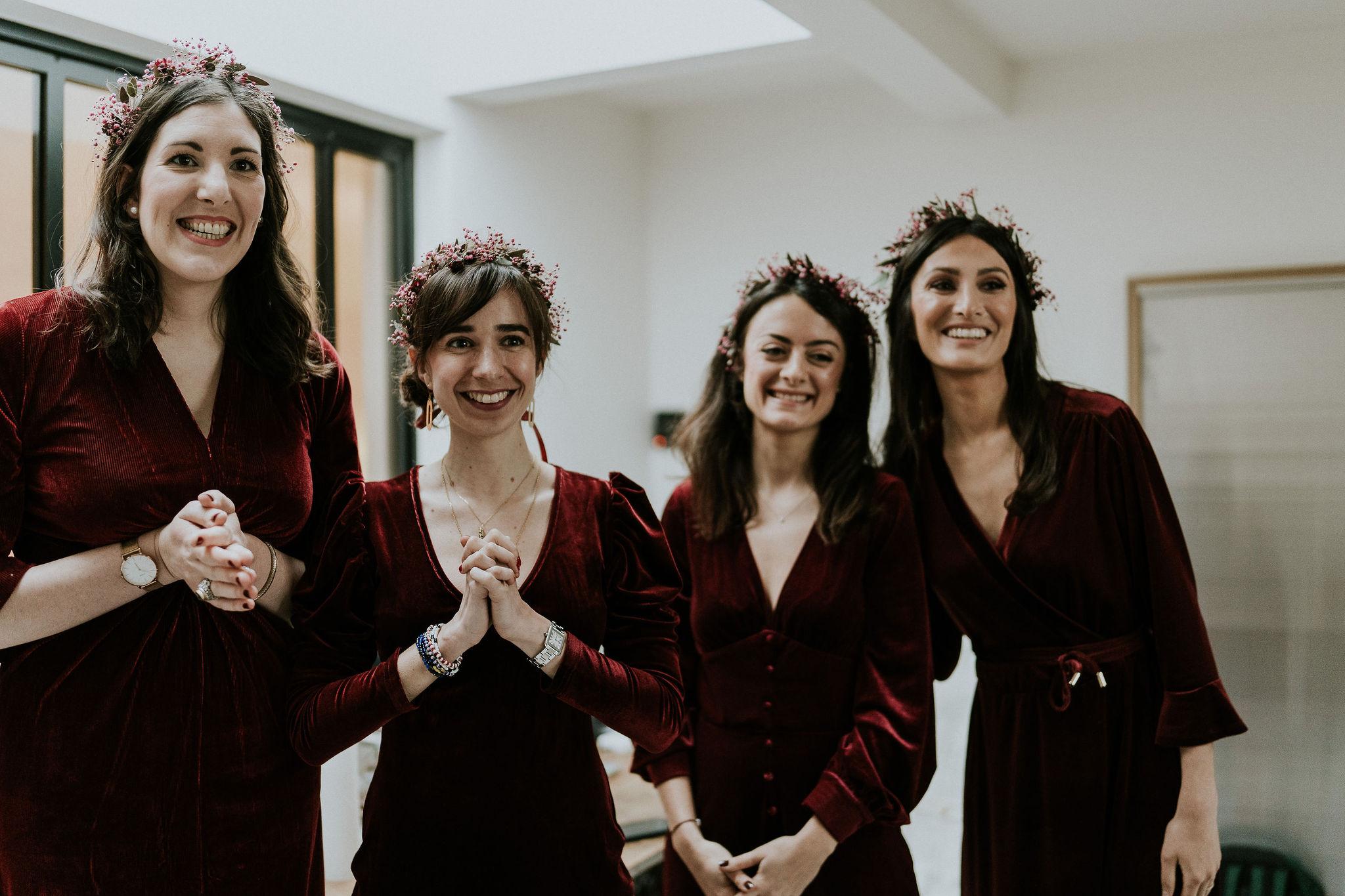 Fleuriste mariage, design floral, mariage à paris, décoratrice paris, mariage sur les toits de paris, red velvet, rouge velours, mariage, demoiselles d'honneur
