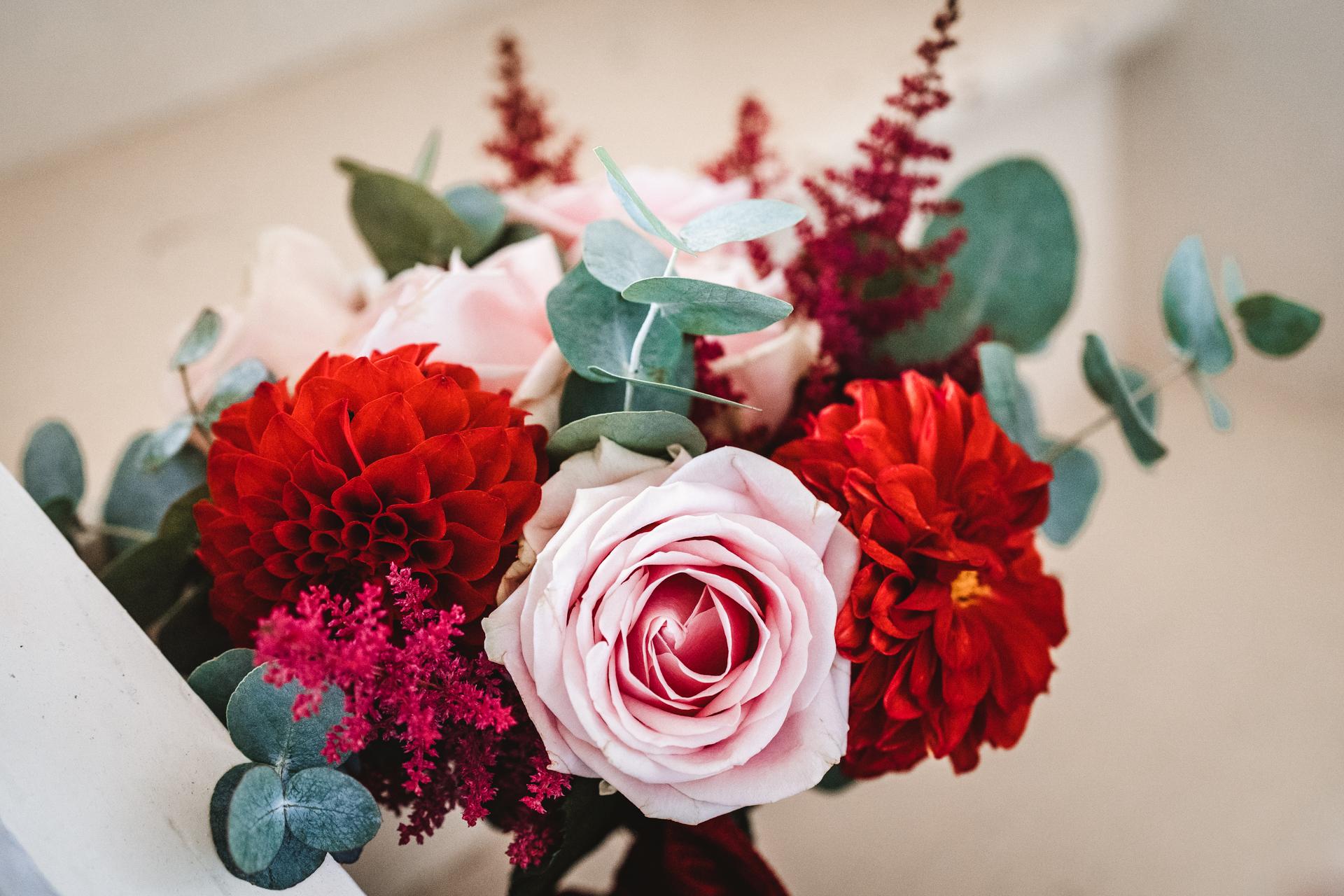 Bouquet demoiselle d'honneur, bouquet, fleurs de mariage, fleuriste, rouge, automne