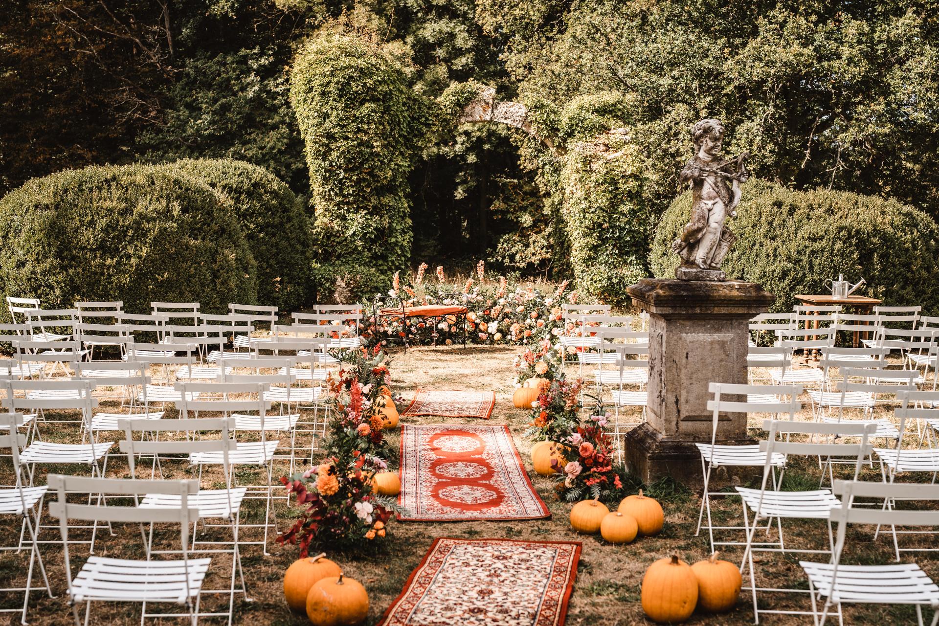 Allée de cérémonie, pumpkin wedding, mariage citrouille,