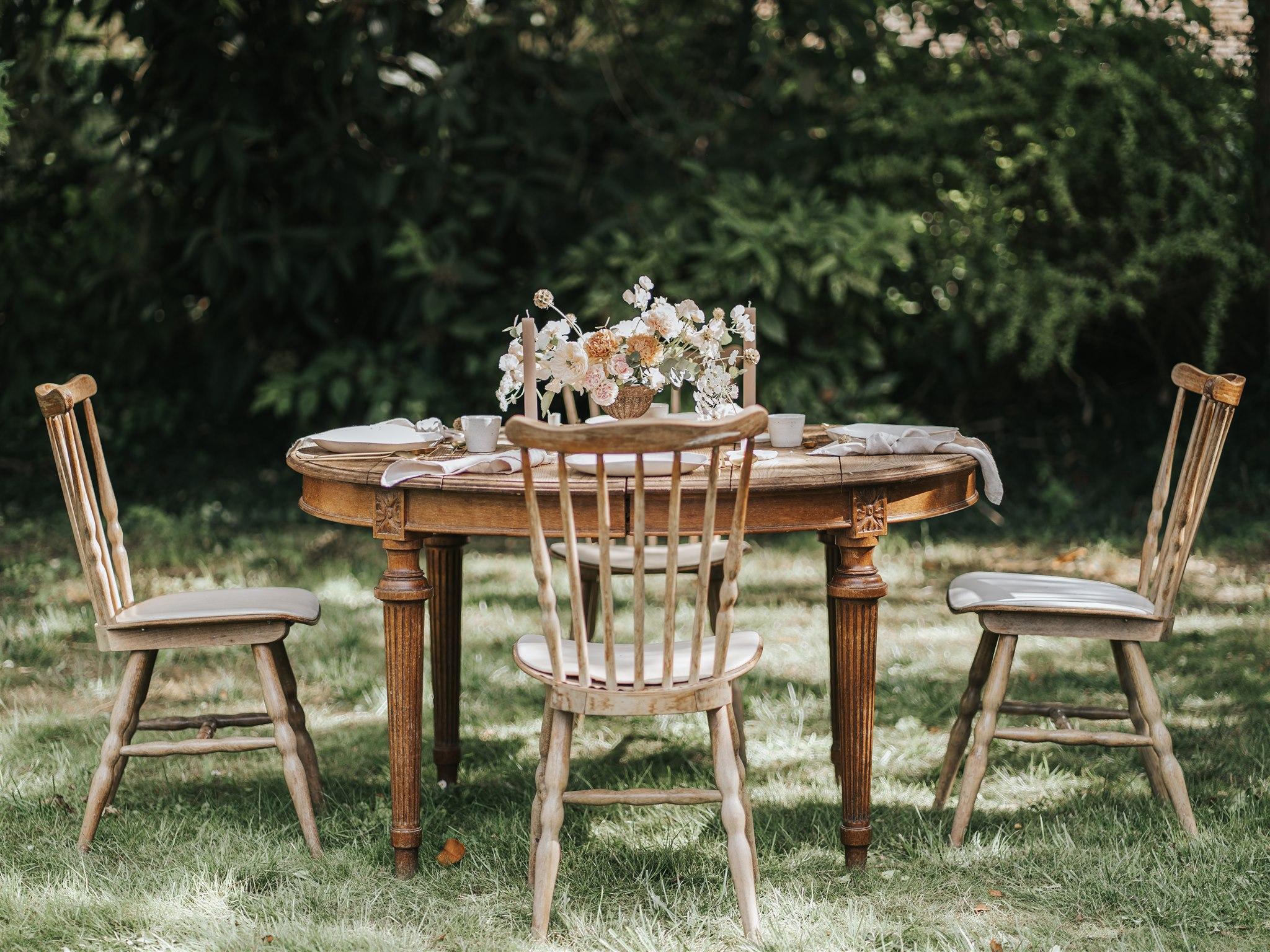 centre de table, stylisme, art de la table, décoratrice Ile de France, wedding designer, floral designer, céramique, mademoiselle constellation, papeterie mariage, mariage minimaliste, mariage moderne, mariage romantique