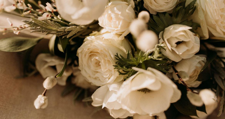 fleur, fleuriste, fleuriste mariage ile de france, fleuriste mariage Paris, fleuriste mariage seine et marne, fleurs blanches, bouquet de mariée, mariage blanc et vert, mariage nature, mariage simple