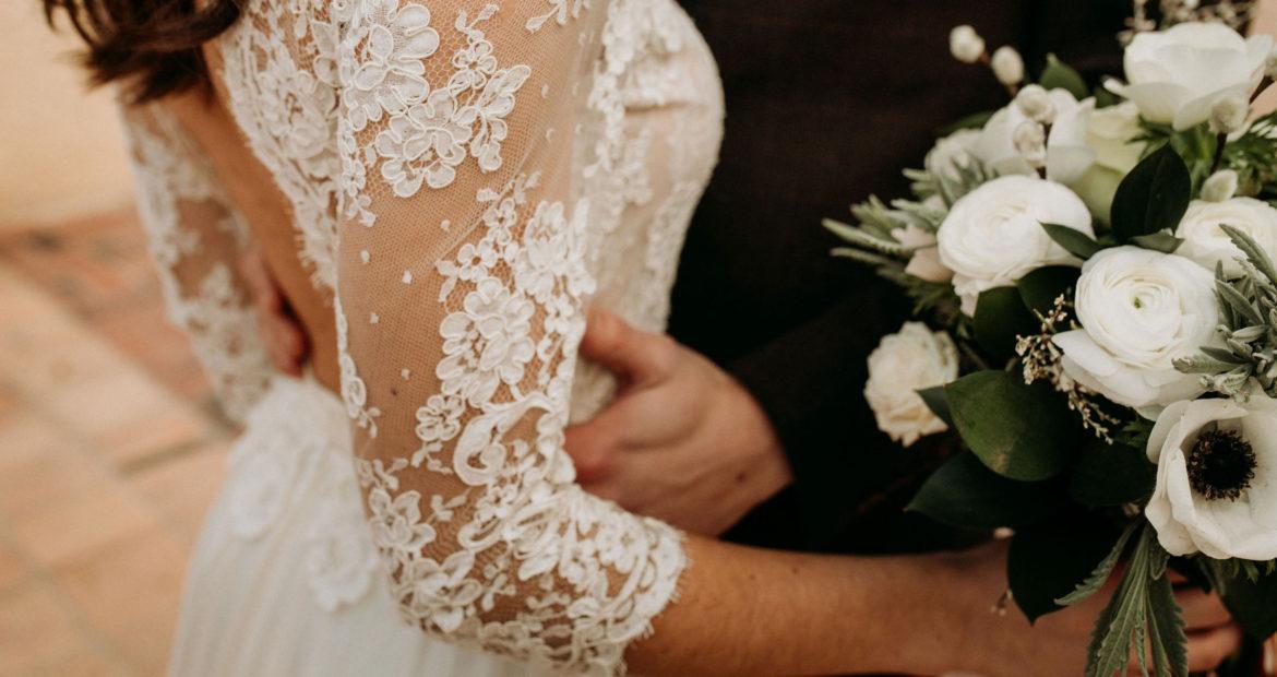 mariage, fleurs de saison, fleurs d'hiver, fleur, fleuriste mariage, décoratrice mariage, bouquet de mariée, floral designer, domaine de verderonne, robe de mariée, dentelle