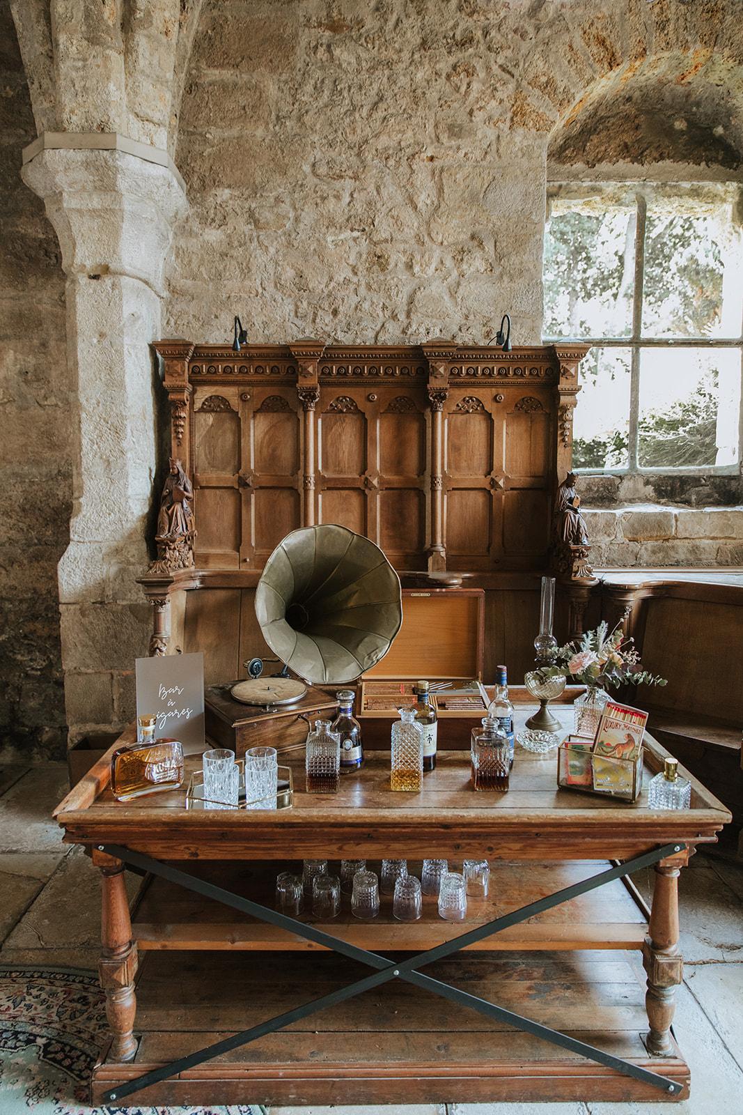bar à cigares, mariage, décoratrice mariage, abbaye des vaux de cernay, mariage raffiné