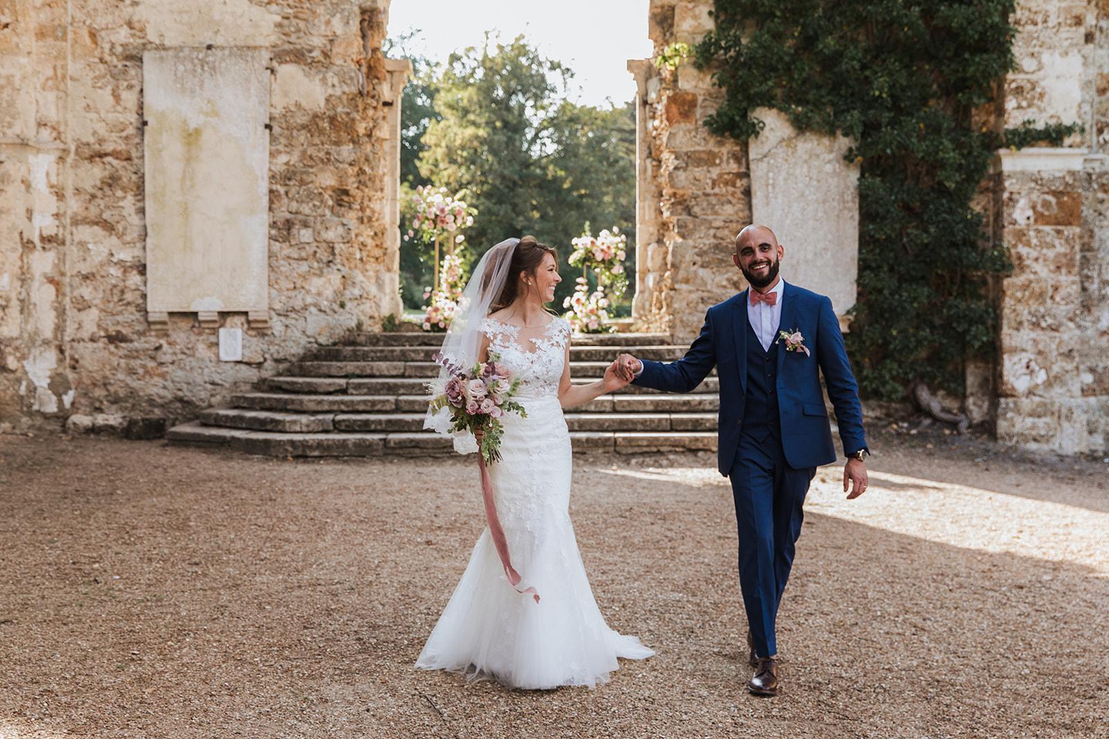 Mariage, décoratrice mariage, décoratrice paris, fleuriste mariage, fleuriste paris, abbaye des vaux de cernay, mariage élégant, bouquet de mariée, floral design, mariage raffiné