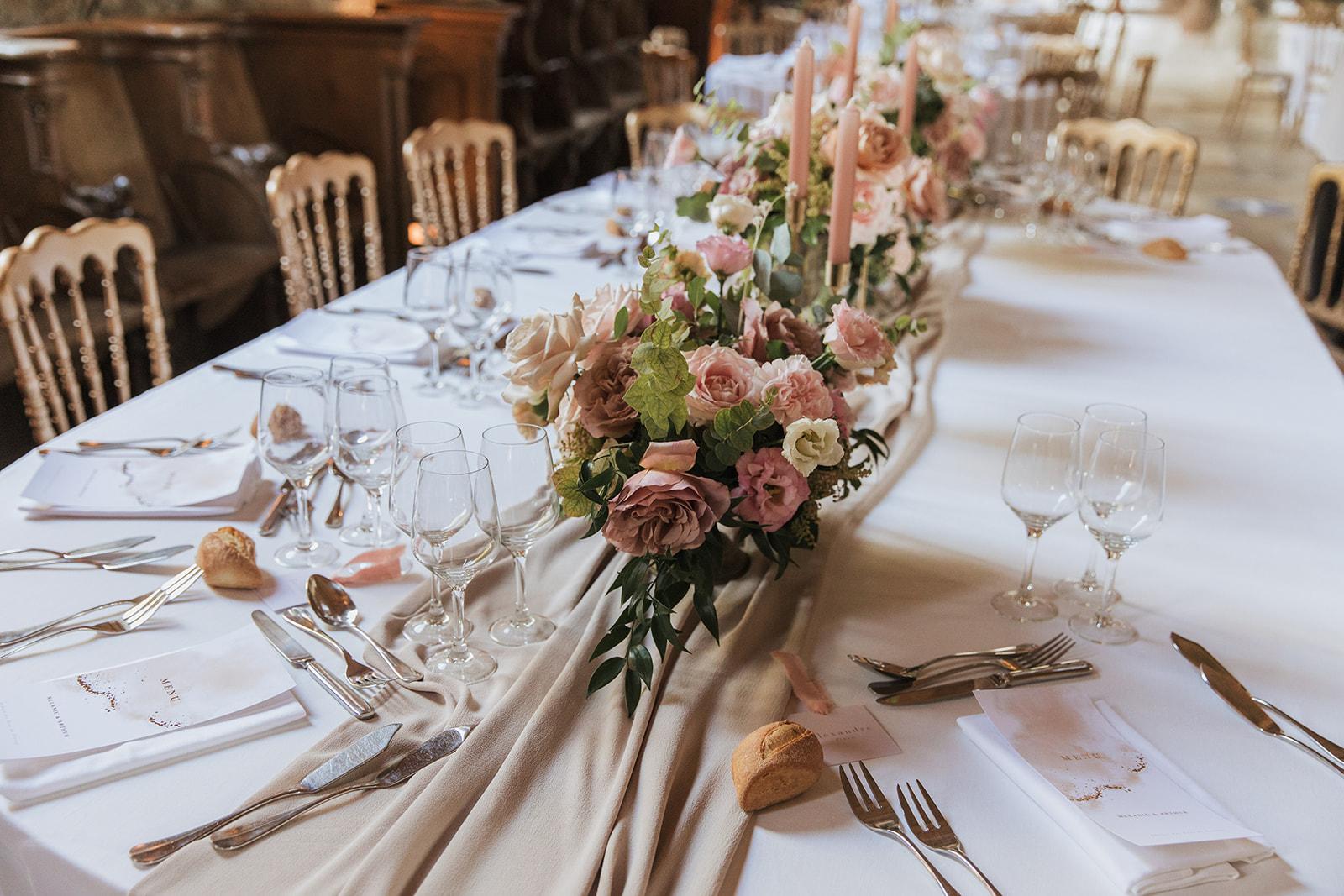 Décoration florale table d\'honneur
