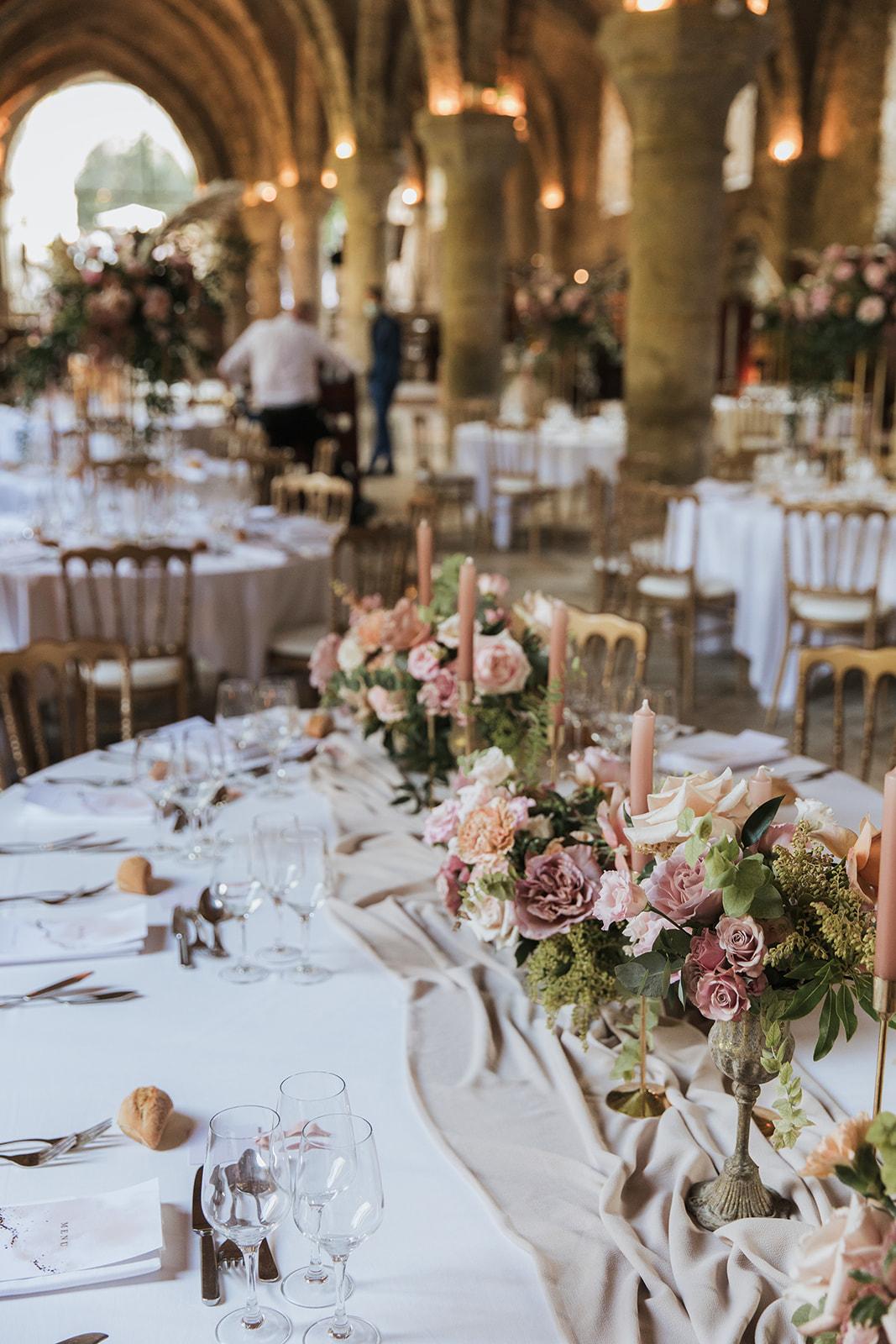 Table d\'honneur Abbaye des vaux de cernay