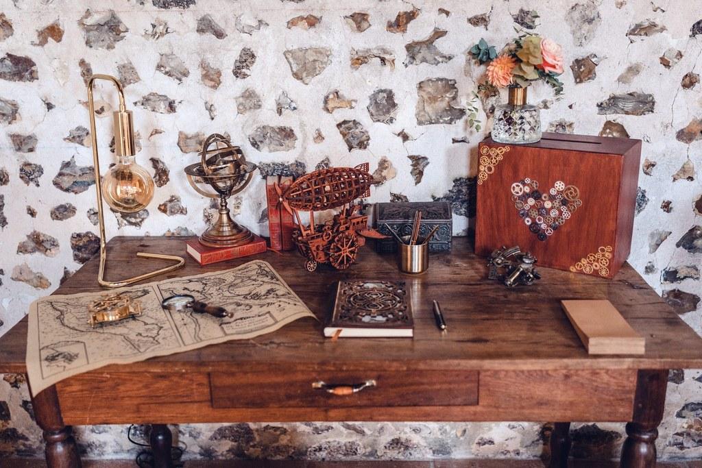 ivre d'or mariage, décoration de mariage, espace livre d'or et urne, scénographie mariage, wedding decor, stylisme, style steampunk