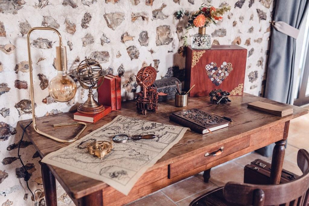 livre d'or mariage, décoration de mariage, espace livre d'or et urne, scénographie mariage, wedding decor, stylisme, style steampunk