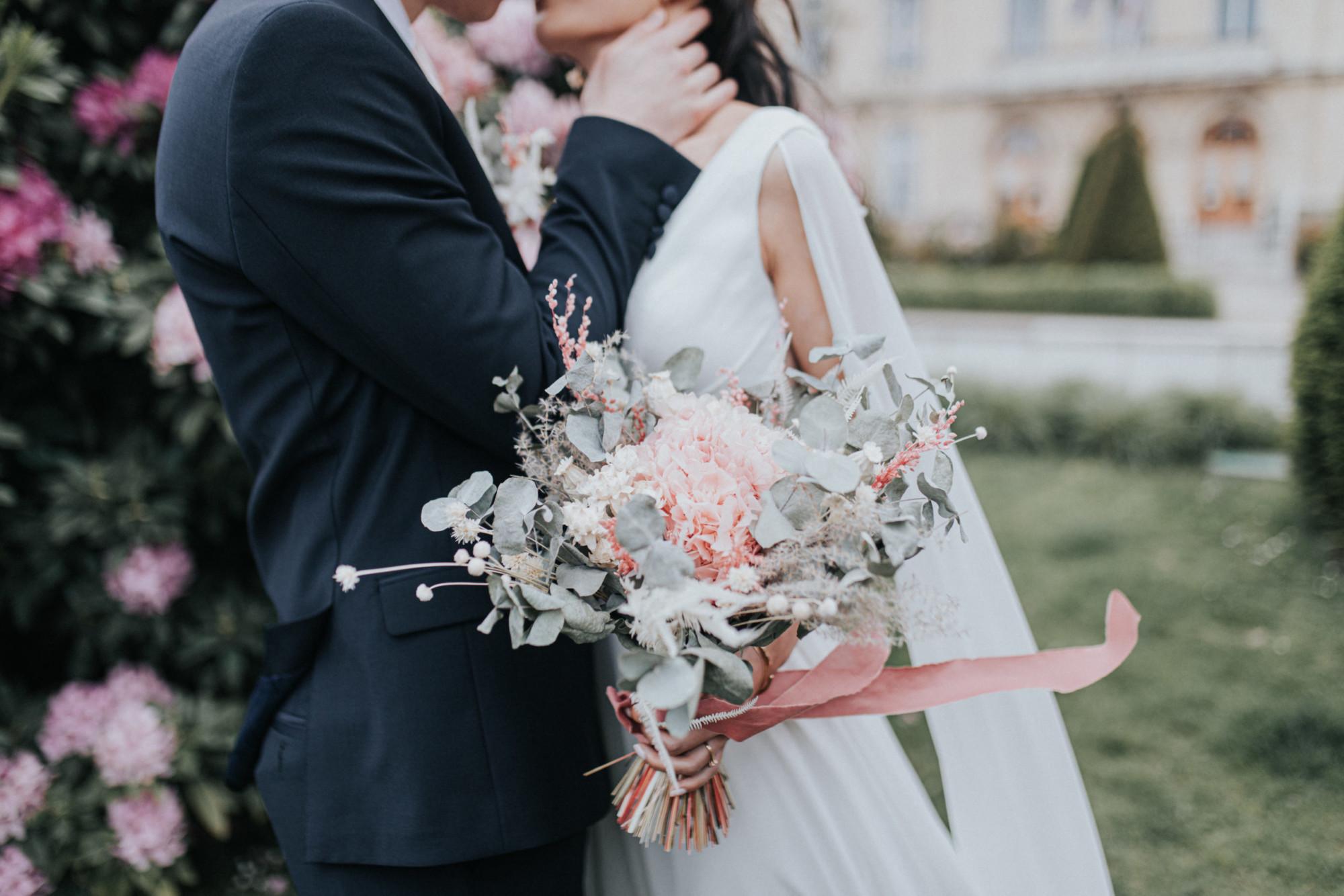 bouquet de mariée en fleurs séchées, mariage paris