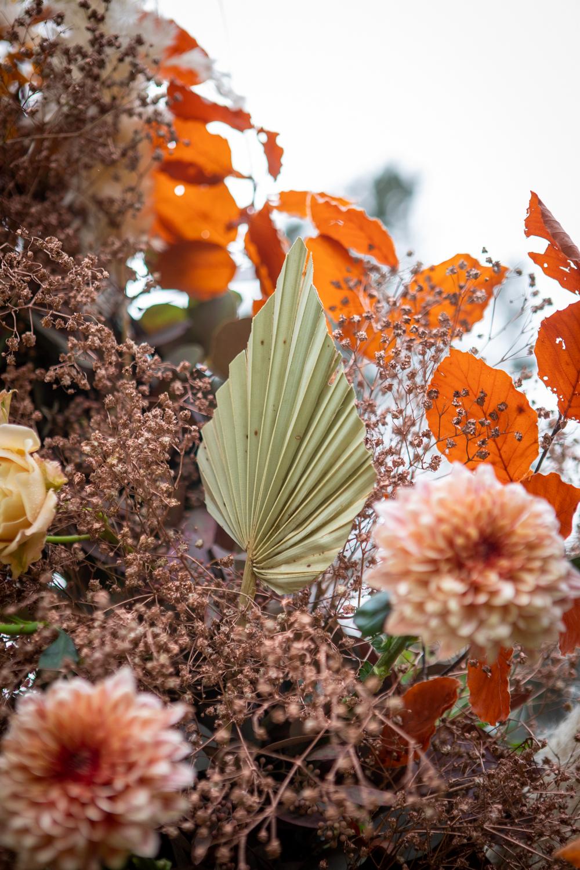 mariage bohème, design floral, wedding design, fleuriste paris, fleuriste mariage, palm, fleurs séchées, mariage en automne, la catrache, décoration de mariage Paris